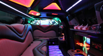 Chrysler-300-limo-rental-Easley